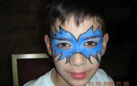 ציור פנים- מסכה כחולה