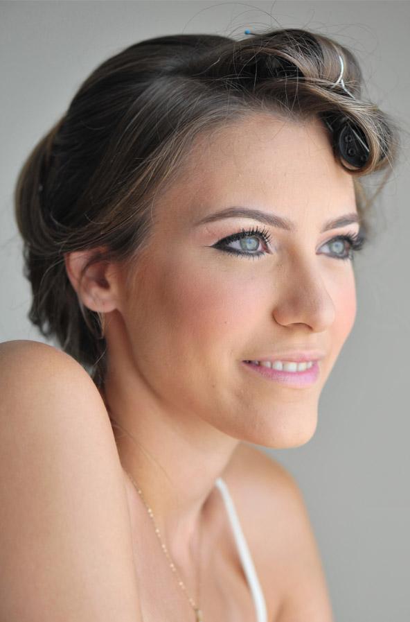 מזל טוב למאיה שהתחתנה ונהנתה מאיפור כלות מקצועי ועיצוב שיער.