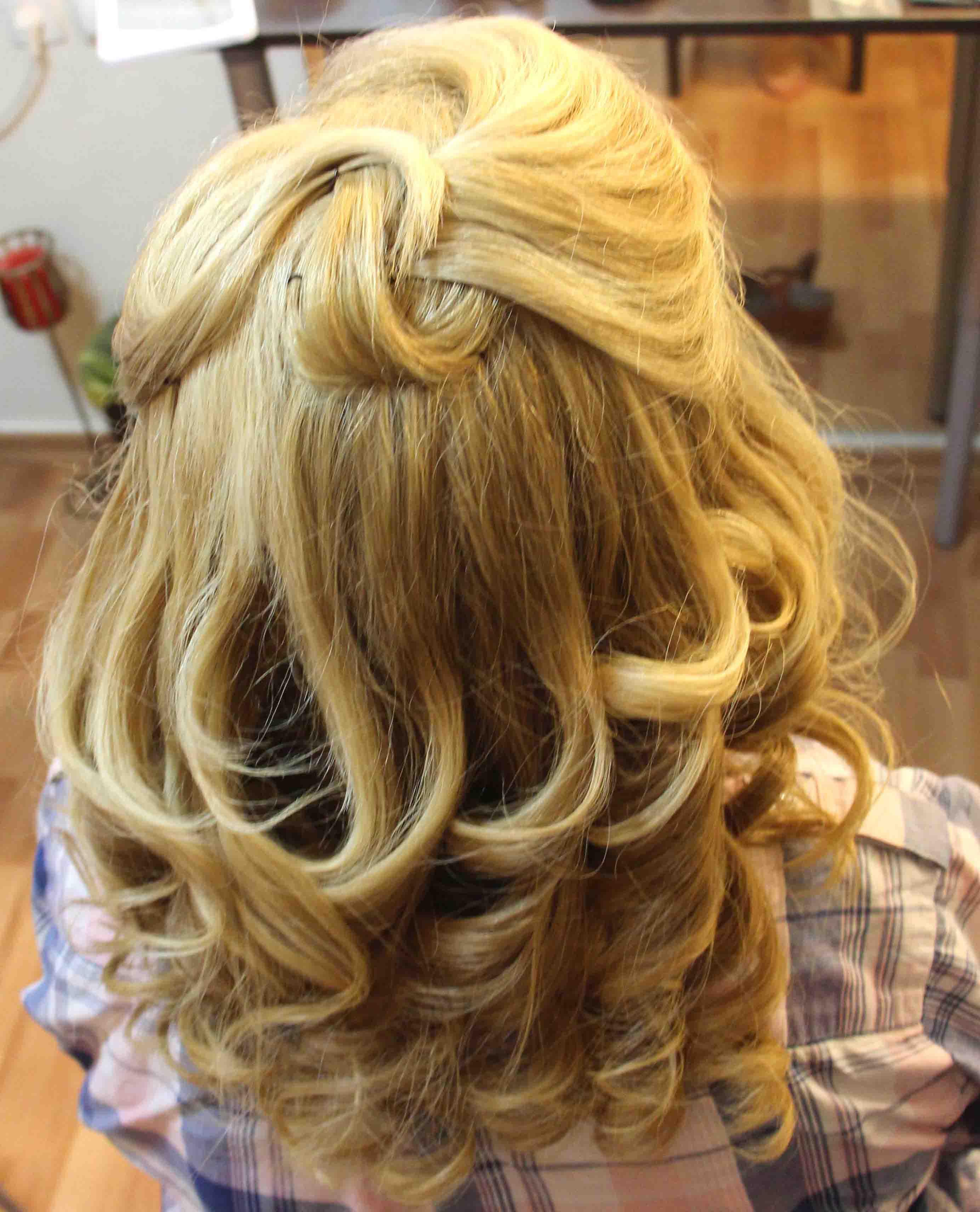 איפור ועיצוב שיער